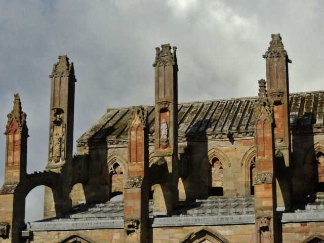 Melrose Abbey23412_10151334797476935_922562773_n