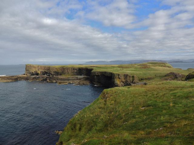 the top layer of Staffa