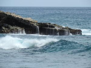 high tide at tide pool bay